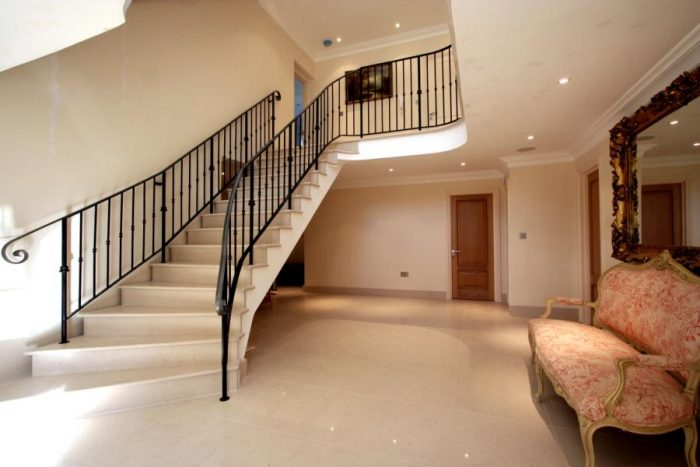 Magnificent hallway with galleried staircase/landing